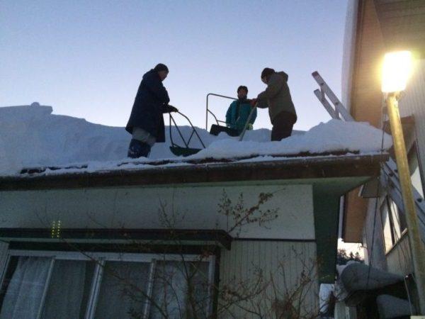 意外と怖い雪下ろし