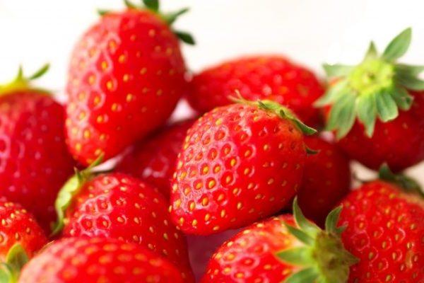色鮮やかなイチゴ